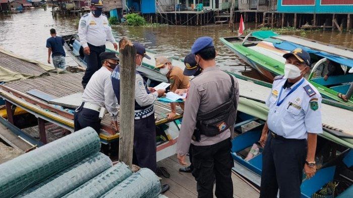 Berlangsung Tiga Hari, Dishub HSU Periksa Kelaikan Kapal di Dermaga Danau Panggang