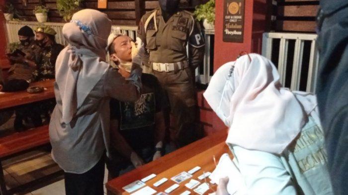 Abaikan Prokes, Pengelola dan Pengunjung Kafe di Kelua Tabalong di Rapid Antigen
