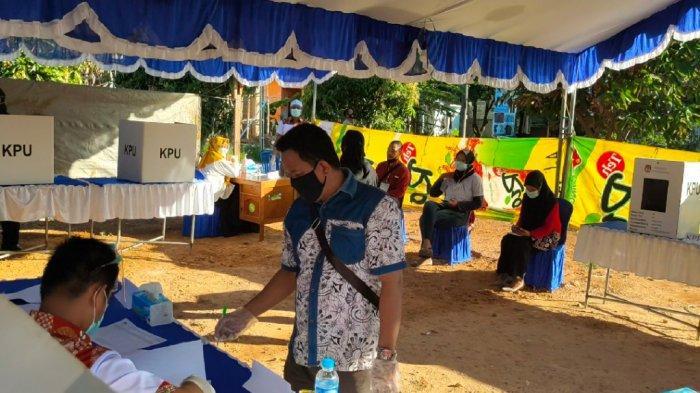 PSU Pilgub Kalsel 2020, TPS 12 di Martapura Sediakan Sarung Tangan Plastik untuk Pemilih