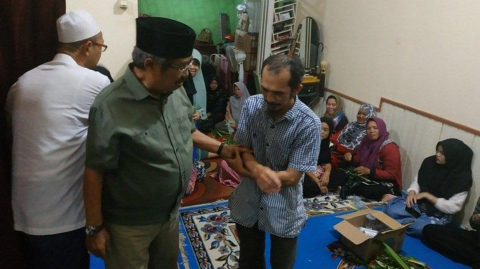HG (P) Rusdi Effendi AR Ajak Doakan Almarhum Wartawan Banjarmasin Post Burhani Yunus (Abuk)