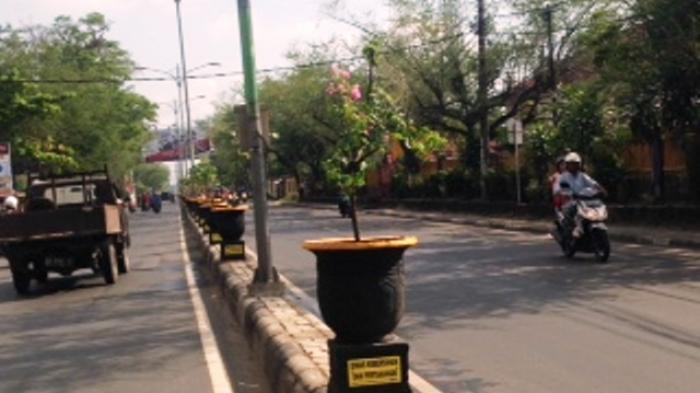 Air Leding di Jalan Pramuka Banjarmasin Keruh Kuning Hitam