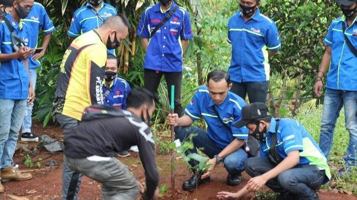 Rayakan HUT ke-3 Tahun, Komunitas Motor GSX Banjarbaru Touring dan Tanam Bibit Pohon Buah