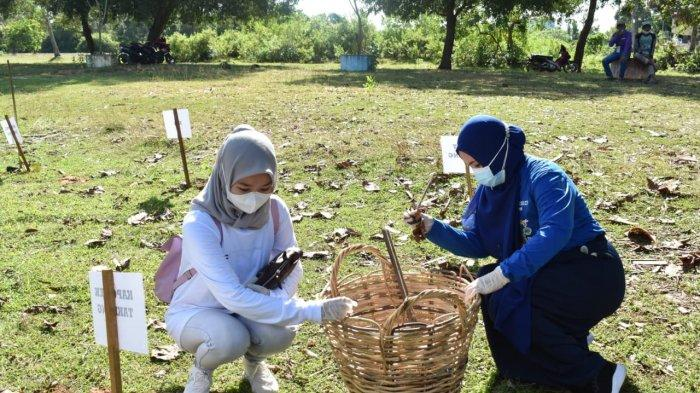 Perbaiki Ekosistem, Tanahlaut Hijaukan Kawasan Mangrove di Desa Pagatanbesar