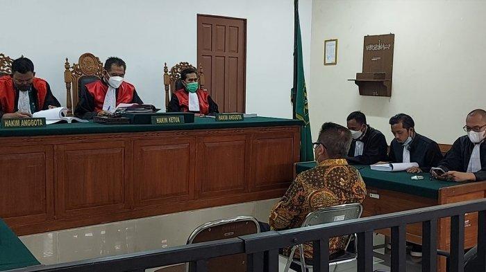 Bacakan Pledoi, Penasihat Hukum H Ansharuddin Minta Kliennya Divonis Bebas