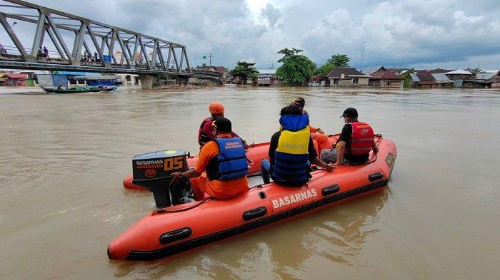 Santri Darussalam Tenggelam di Sungai Martapura Belum Ditemukan, Petugas Teruskan Pencarian