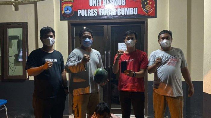 Unit Resmob Polres Tanahbumbu Ringkus Pencuri HP Saat Belanja Toko Buah