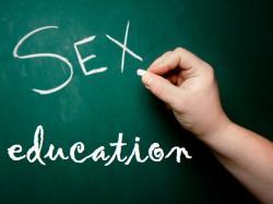 Mengajarkan Pendidikan Seksualitas pada Anak