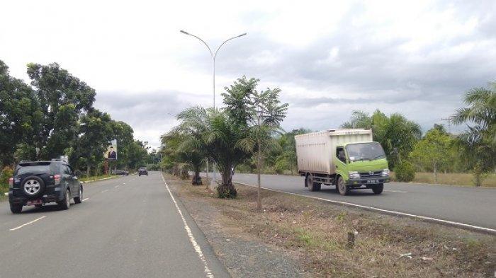 Jalan Poros Menuju Mentewe dan Karang Bintang Gelap, Masjani Berharap Dipasangkan PJU