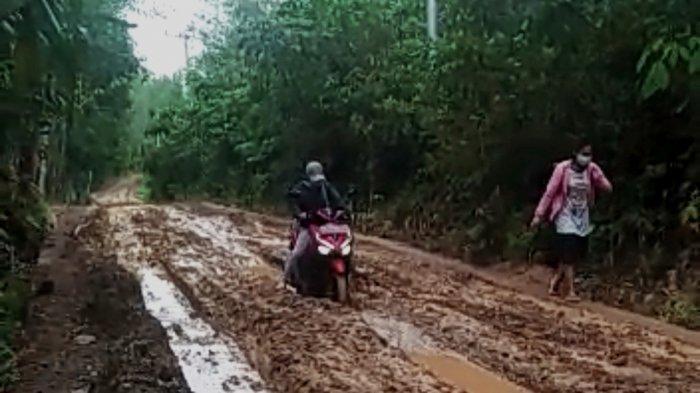 Jalan Desa Aniungan Dikeluhkan, Dinas PUPR Balangan Beri Tanggapan untuk Bisa Pengaspalan Jalan