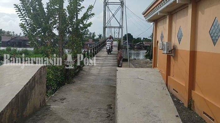 Wisata Kalsel, Rasakan Sensasi Goyangan Jembatan Sungai Lulut