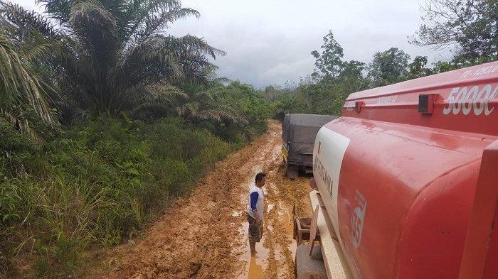 Pertamina Tambah Armada Truk Tangki BBM dan LPG untuk Suplai ke Hulu Sungai Kalsel