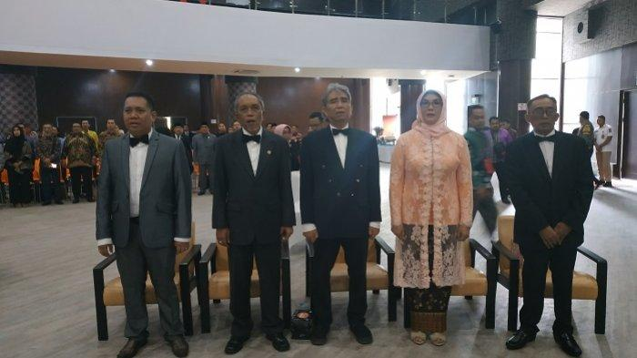 Pimpin Sidang Senat Terbuka Pengukuhan Guru Besar ULM, Sutarto Kukuhkan Lima Guru Besar Ini
