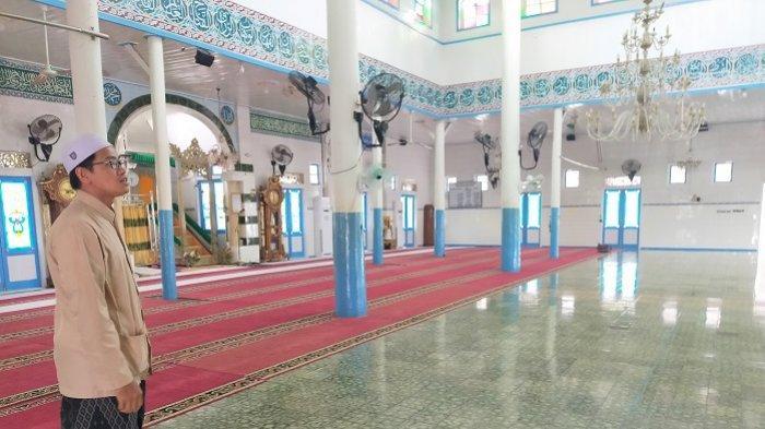 Wisata Kalsel : Diputari Pengunjung, Begini Kisah Sejarah Tiang Utama Masjid Jami Sungai Banar HSU