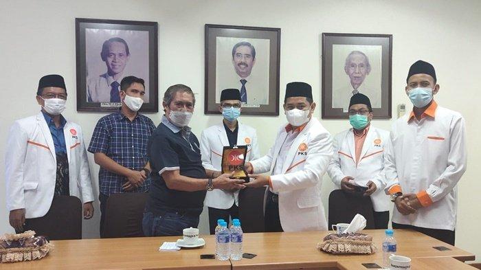 Pengurus DPW Partai Keadilan Sejahtera Kalsel Kunjungi BPost