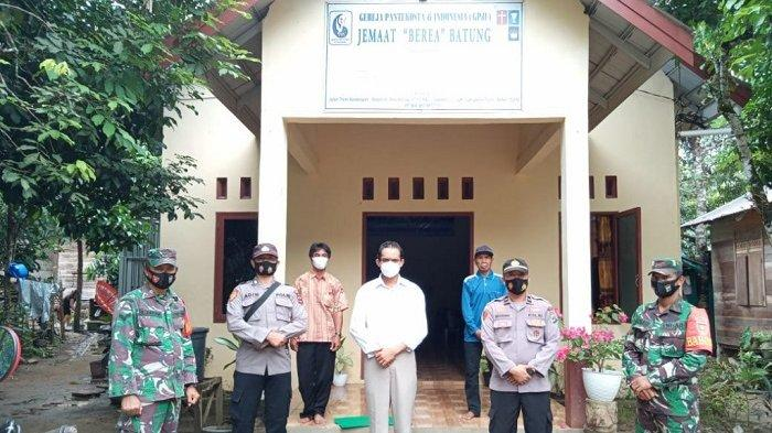 Dijaga Ketat Aparat, 7 Gereja di Kecamatan Piani dan 2 di Binuang serta Hatungun Gelar Paskah