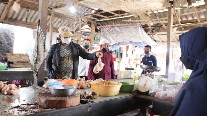 Kepala Dinas Perdagangan Kalsel Birhasani Perkirakan Harga Ayam Cenderung Turun