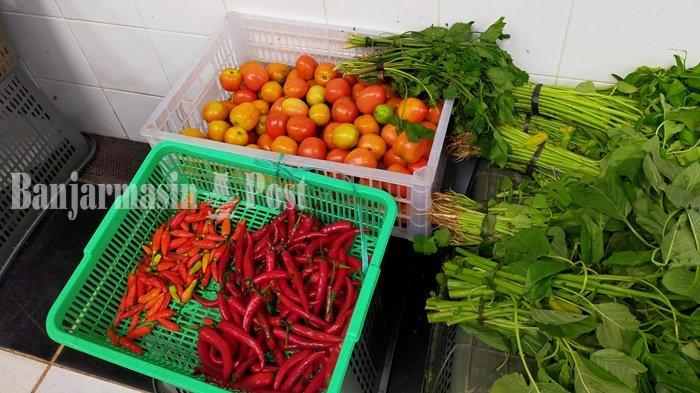 Harga Tomat Naik, Sawi Turun di Pasar Bauntung Banjarbaru