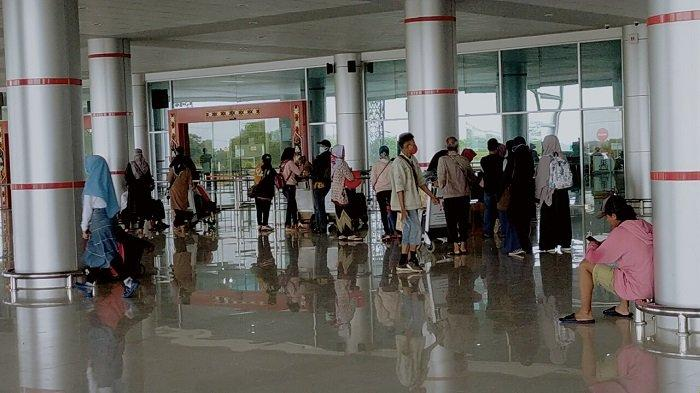 Penumpang Pesawat Tiba di Kalteng Wajib Tunjukan Suket Negatif PCR Swab, Berlaku Sejak Senin