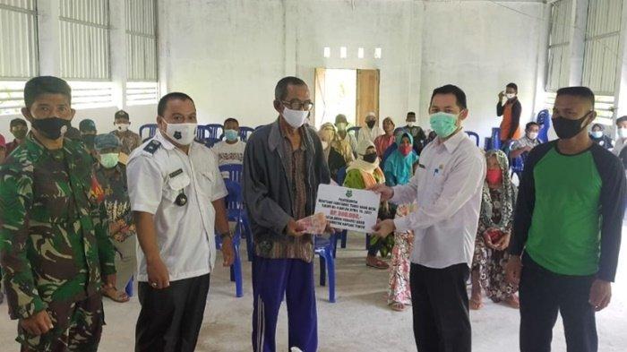 Warga di Kapuas Timur Kalteng Terima Bantuan Langsung Tunai Dana Desa