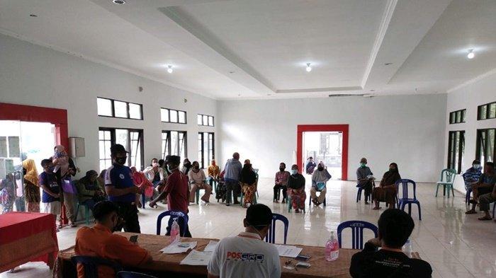 Sebanyak 256 Warga Kalampangan Kota Palangkaraya Terima Bantuan Sosial Tunai