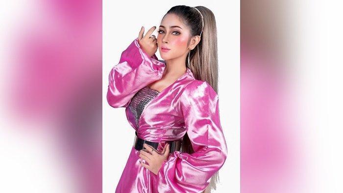 Tak Bisa Pulkam ke Banjarmasin, Pink Pink Rilis Ulang Tenda Biru Versi Dangdut Koplo