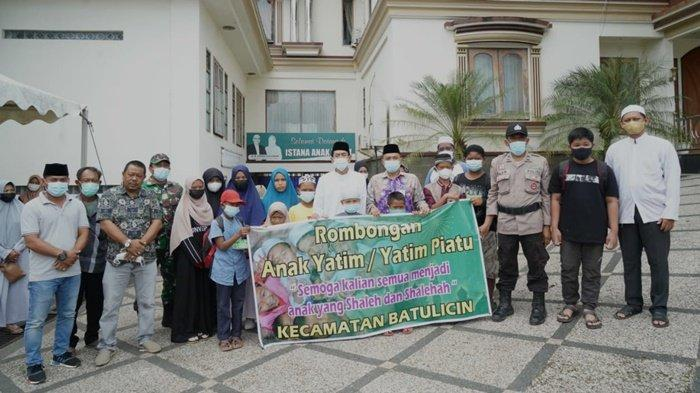 Camat Batulicin Serahkan 25 Anak Yatim ke Istana Anak Yatim Kabupaten Tanbu