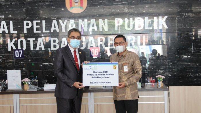 Penyerahan Bantuan CSR Bank Kalsel  kepada Pemkot Banjarbaru untuk Rumah Tahfidz