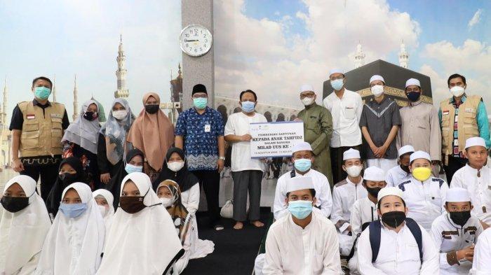 Milad Ke-17, Bank Kalsel Syariah Tebar Kebaikan Kepada Anak Tahfidz dan Panti Asuhan
