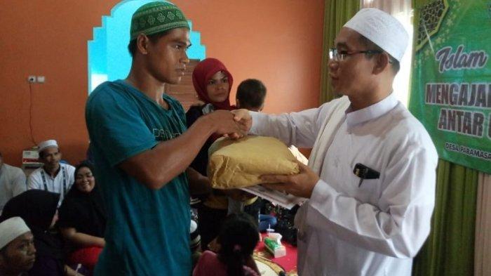Ucapkan Kalimat Syahadat, 18 Warga Paramasan Resmi Peluk Islam