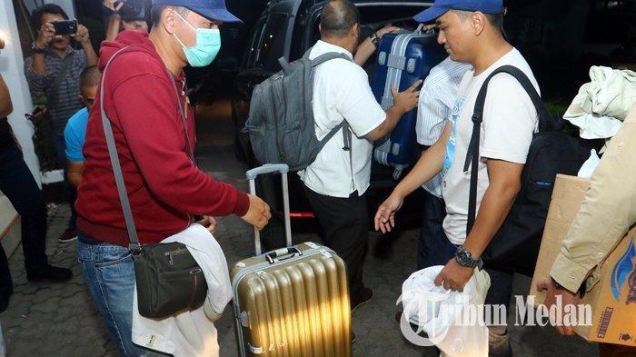 Telusuri Kasus OTT Dzulmi Eldin, KPK 13 Jam Geledah 5 Lokasi di Kota Medan dan Bawa 3 Koper Besar