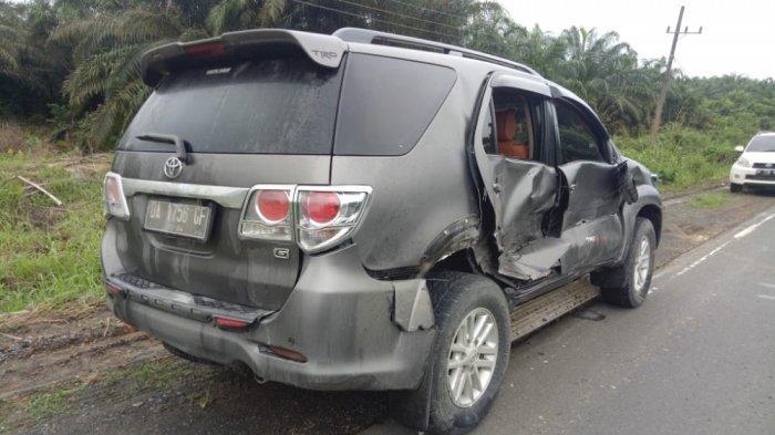 Ketua DPRD Kotabaru Alami Kecelakaan Mobil di Kelumpang Hulu, Fortuner Penyok, Begini Kondisi Beliau