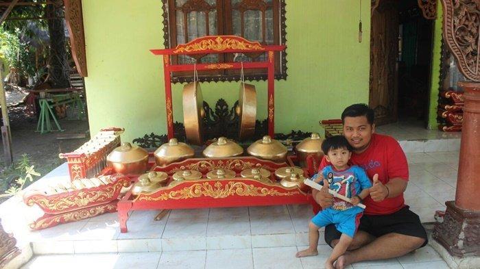 Perajin Alat Musik Tradisional di Kabupaten HST Kalsel Ini Masih Eksis