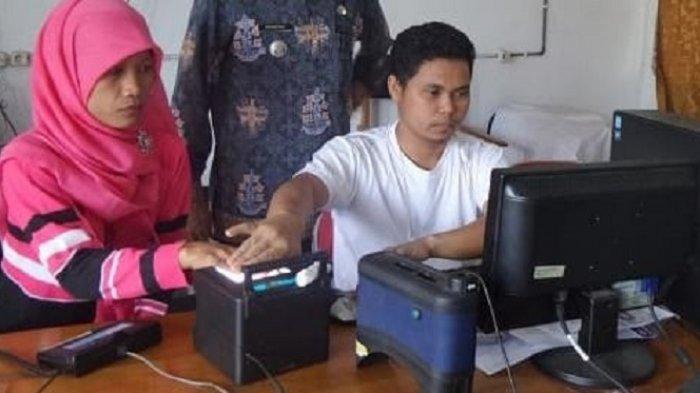Jelang Pilgub Kalteng, Disdukcapil Palangkaraya Masif Lakukan Perekaman KTP-Elektronik
