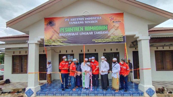 Arutmin Indonesia Tambang Senakin Kotabaru Resmikan Pesantren Ramadan