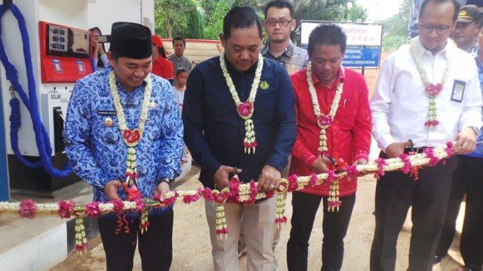 BBM Satu Harga di Desa Malinau Kecamatan Loksado Diresmikan