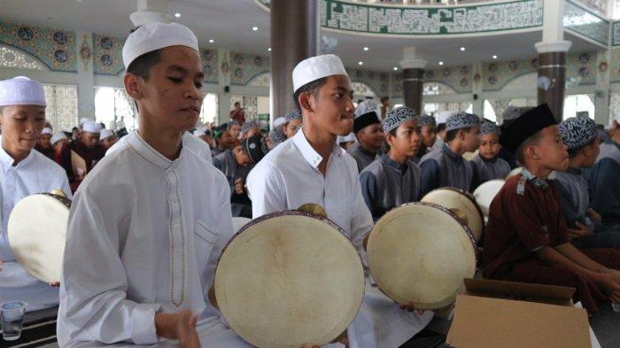 Meriahnya acara 1000 Tarabang di Tabalong