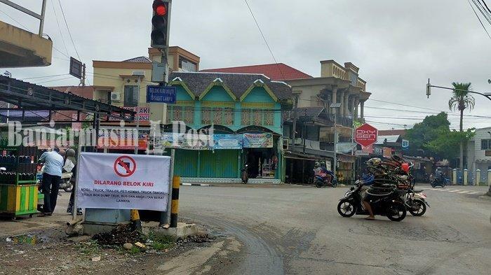 Papan Peringatan Larangan Angkutan Berat Masuk Kota Amuntai Kalsel Dipasang