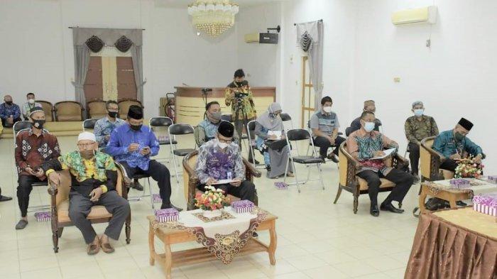 Peserta kegiatan pertemuan yang membahas persiapan kafilah Kabupaten Hulu Sungai Selatan (HSS) untuk mengikuti MTQ tingkat Provinsi Kalimantan Selatan.