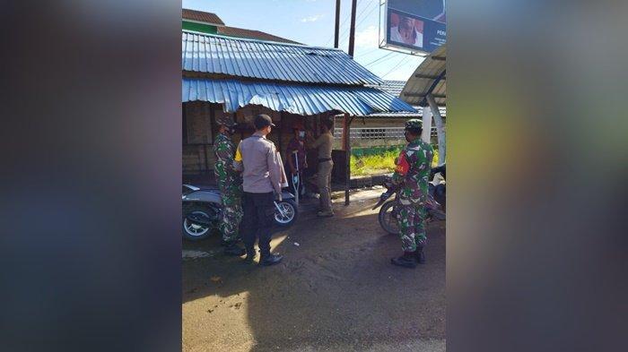 Satgas Covid-19 Gelar Pembagian Masker Di Desa Banua Padang Hilir Secara Door To Door