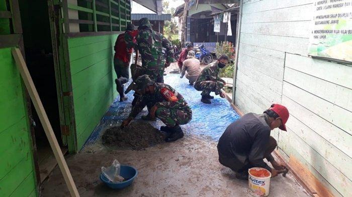 Personel Koramil Aluhaluh Bersama Warga Bantu Pembersihan dan Pengecoran Lantai Mandrasah At Taqwa