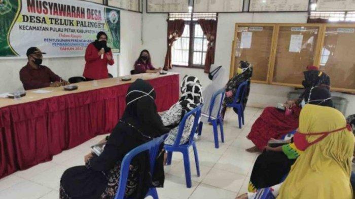 Polwan Polres Kapuas Beri Edukasi ke Masyarakat, Antisipasi Kekerasan Terhadap Perempuan