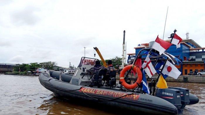 Korban Tenggelam Belum Ditemukan, Personel Lanal Banjarmasin Turut Lakukan Pencarian