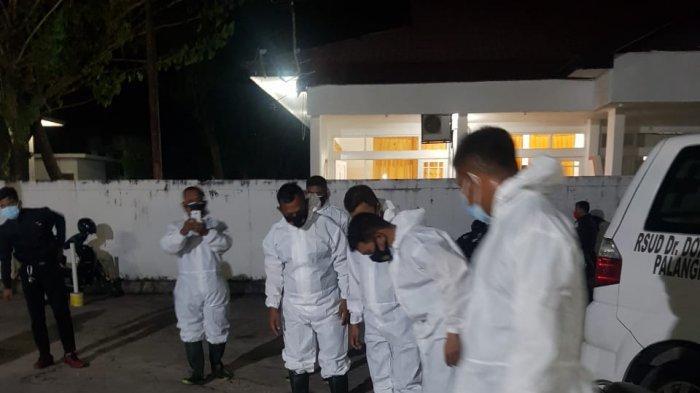 Delapan Personel Brimob Dikerahkan Bantu Pemulasaran Jenazah  Covid-19 di Palangkaraya