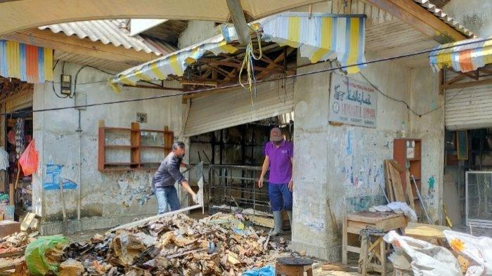 Kebakaran di Kalsel, Delapan Toko di Pasar Keramat HST Terbakar, Pemkab Segera Lakukan Perbaikan
