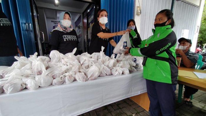 Kaum Disabilitas dan Ojol Bersukacita Dapat Beras dan Daging dari DPD PAN Banjarbaru