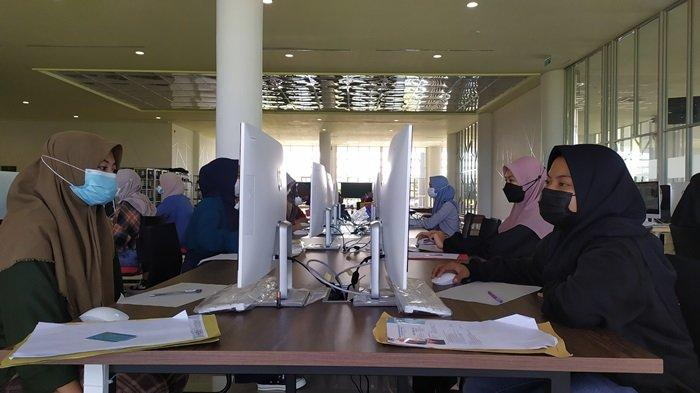 Vaksinasi Mahasiswa ULM Capai 33 Ribu Orang, Rektor Sutarto Hadi Tunggu Suplai Pemerintah