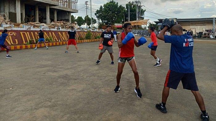 Pelatih Tinju Kalsel Waspadai Atlet Tuan Rumah PON XX Papua 2021