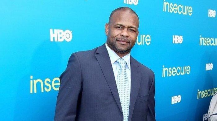 Petinju asal Amerika Serikat, Roy Jones Jr. Dirinya akan menghadapi legenda tinju duia, Mike Tyson di akhir November 2020 di California, Amerika Serikat.