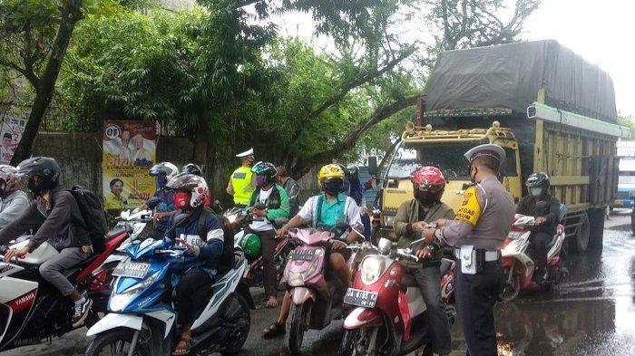 Gelar Operasi Simpatik di Banjarmasin, 30 Menit 2.000 Masker Habis Dibagikan Petugas
