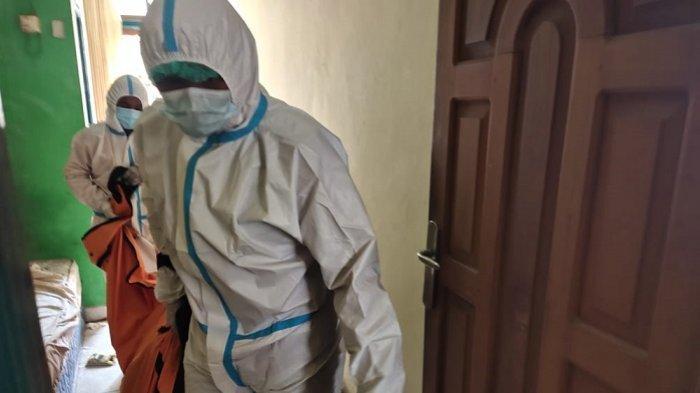Ditemukan Meninggal di Kamar Hotel di Sampit, ABK Asal Palembang Ini Dievakuasi Petugas Berhazmat